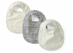 baby bibs in baby gift bundle