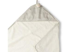 baby bath towel in baby gift bundle